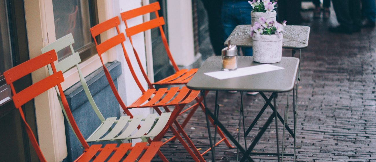 A Restaurateur's Guide to Buying Cafe Furniture